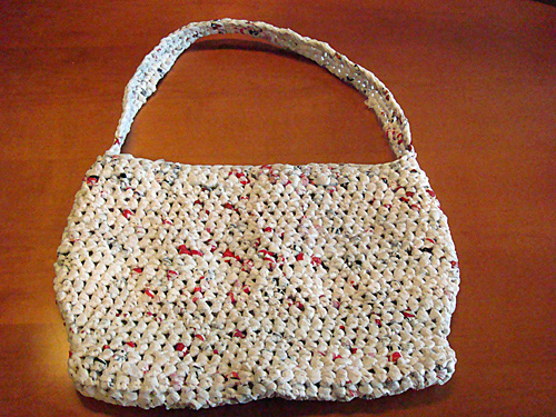 plarn crochet creates a sturdy tote bag to use as a purse or reusable ...